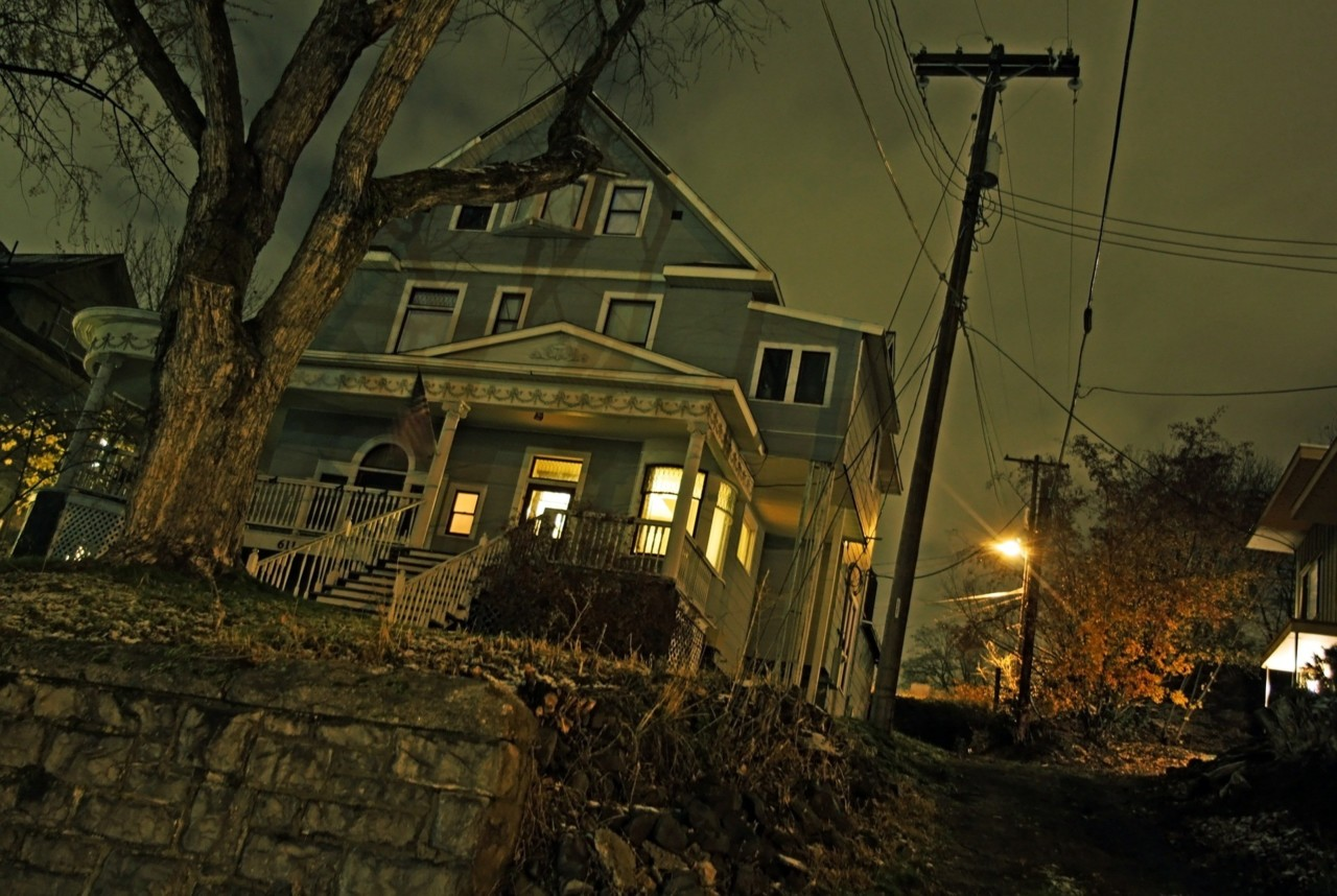 house-487995_1920.jpg