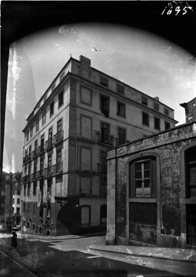 Prédio Almada, e travessa do Almada, 1907, foto d