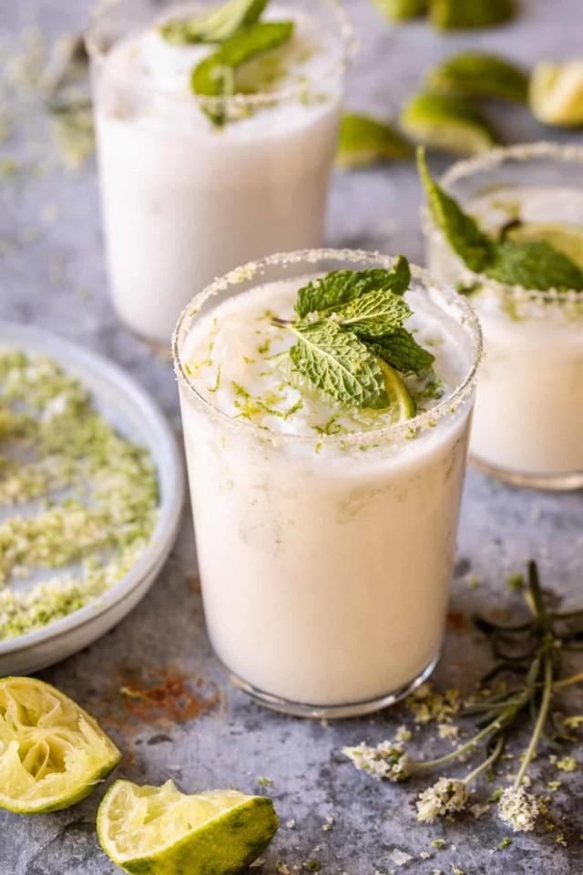 Creamy-Coconut-Lime-Mojito-1.jpg