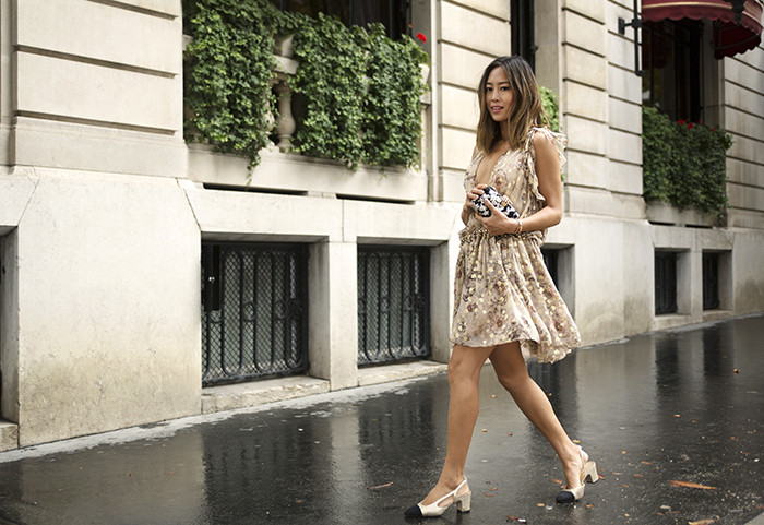 aimee_song_of_style_chloe_gold_dress_Chanel_slingb