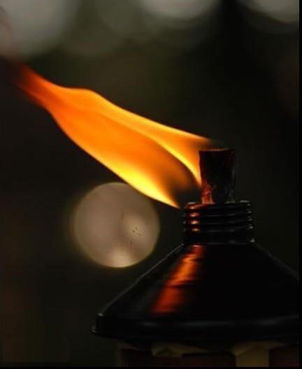 A+vida+é+como+uma+vela+que+vai+ardendo,+quando+ch