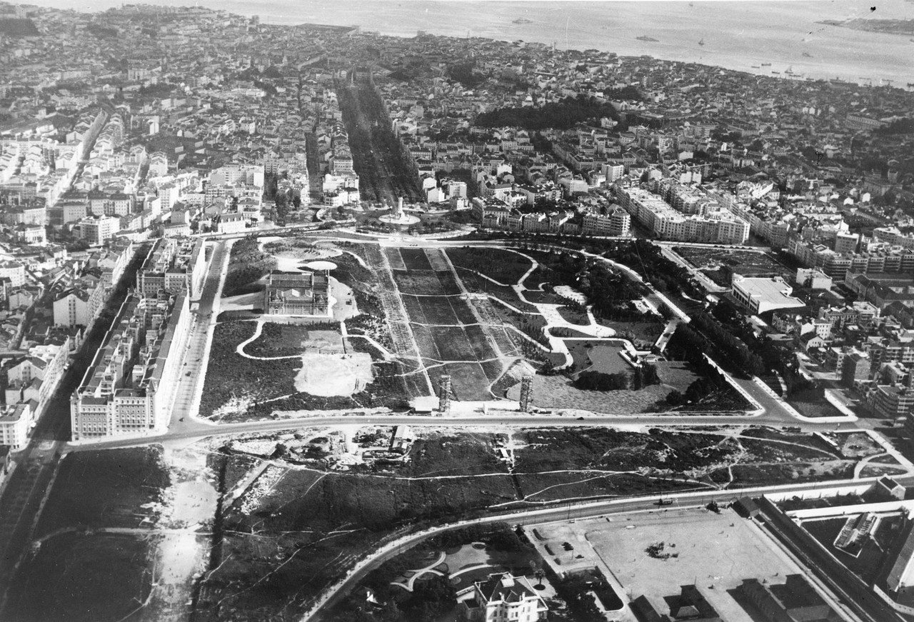 Fotografia aérea sobre o Parque Eduardo VII, 1950