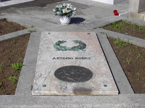 Antonio Nobre - descanso eterno no Cemiterio de Leça da Palmeira ...