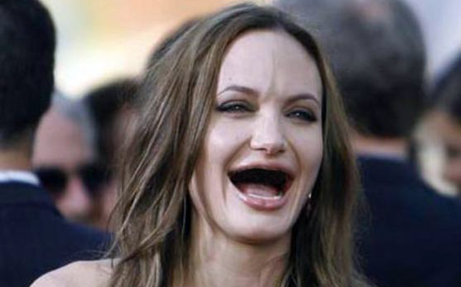 angelina jolie desdentada teethless