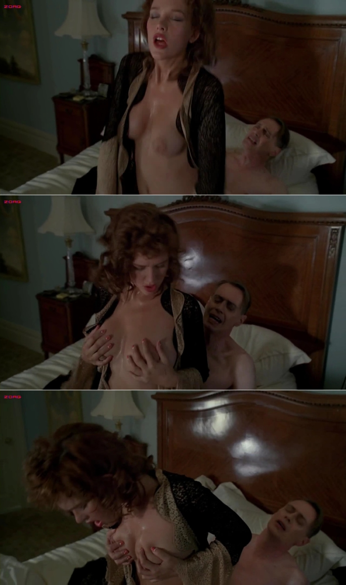 Mary Louise Parker Nude In Tub 68