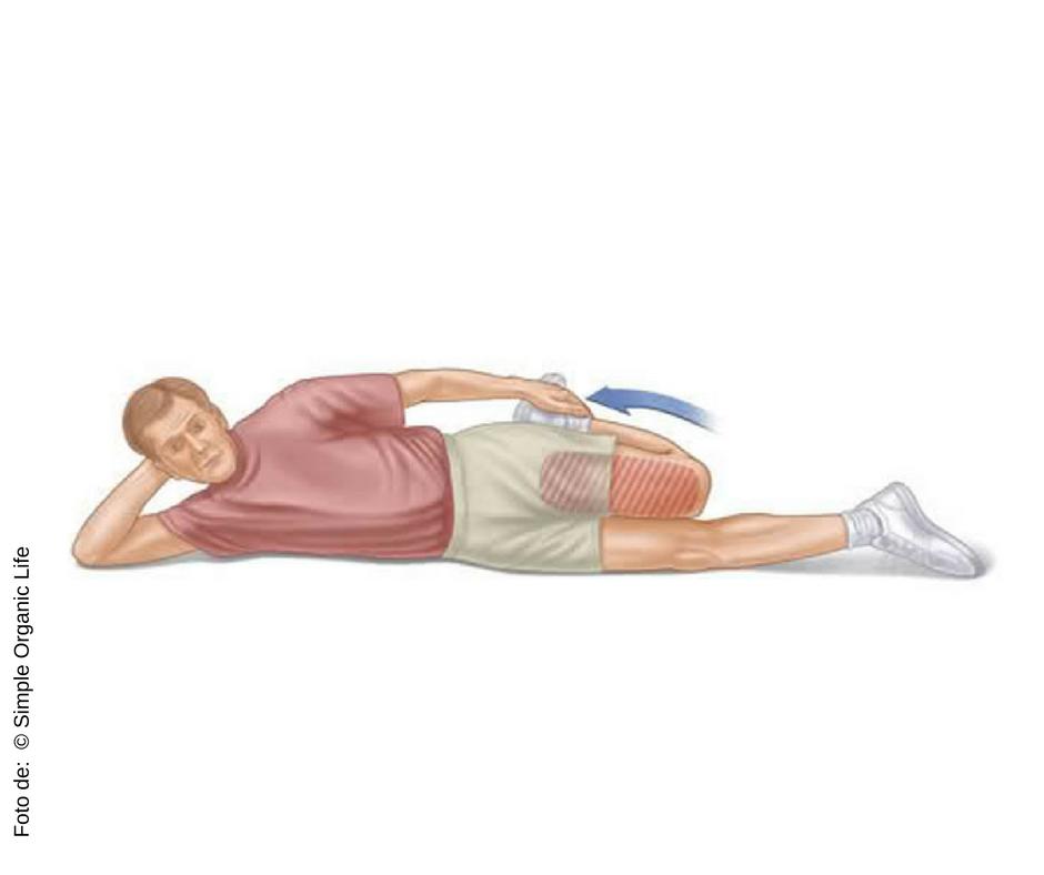 Mantenha a posição por 30 segundos em cada lado. Faça duas vezes em cada lado.